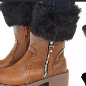 Accessories - Black faux fur boot cuff